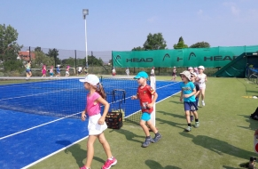 Tenis červen